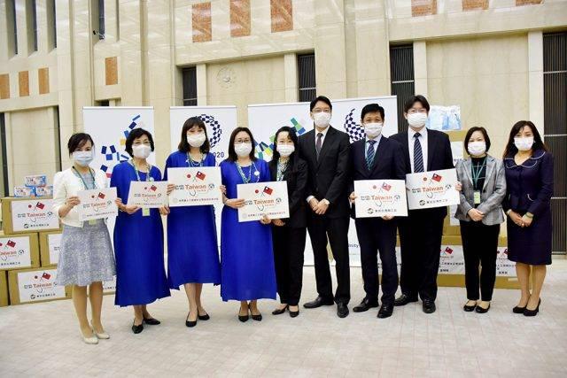 世華日本分會寄附防疫物資 期盼台日攜手度過難關
